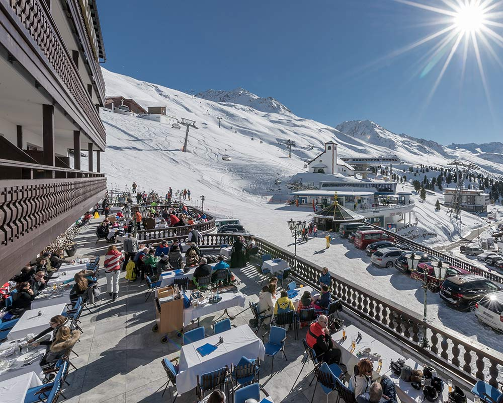 Eating and drinking in Obergurgl-Hochgurgl ski resort Ötztal valley Tyrol